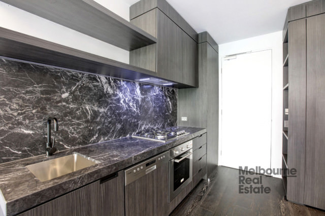 229_33_Flemington_Rd_North_Melbourne_02